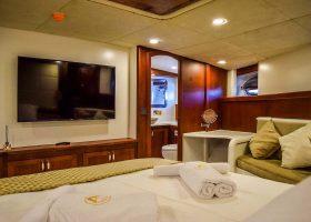 virtuoso-luxury-gulet-cabin-6-front-master-5